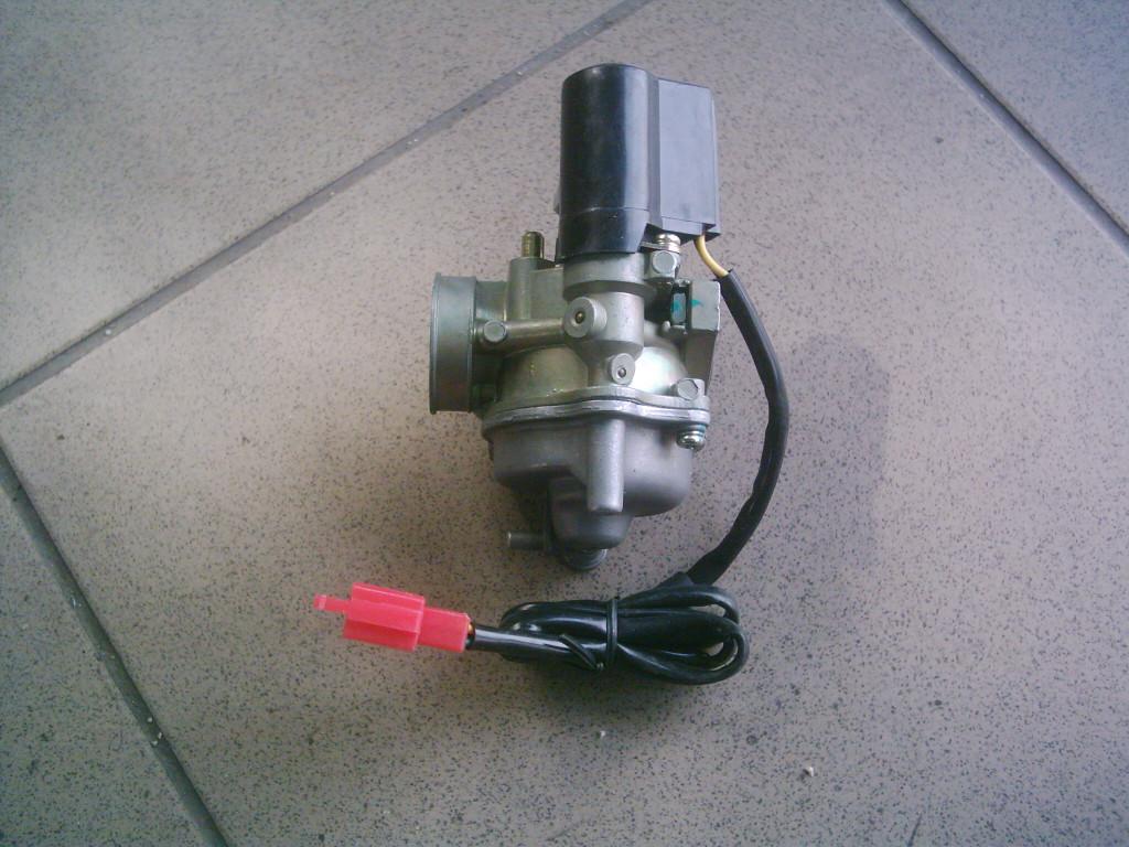 Honda Dio AF 18-25-27-28, Takt   AF 24,  Kymco, Delim, Sym új  50  2T  karburátor.