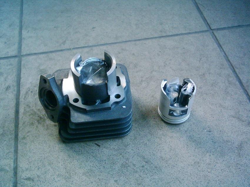 Honda Tact  AF16, DJ 1  új 50 2T    5 felömlős  henger szett.