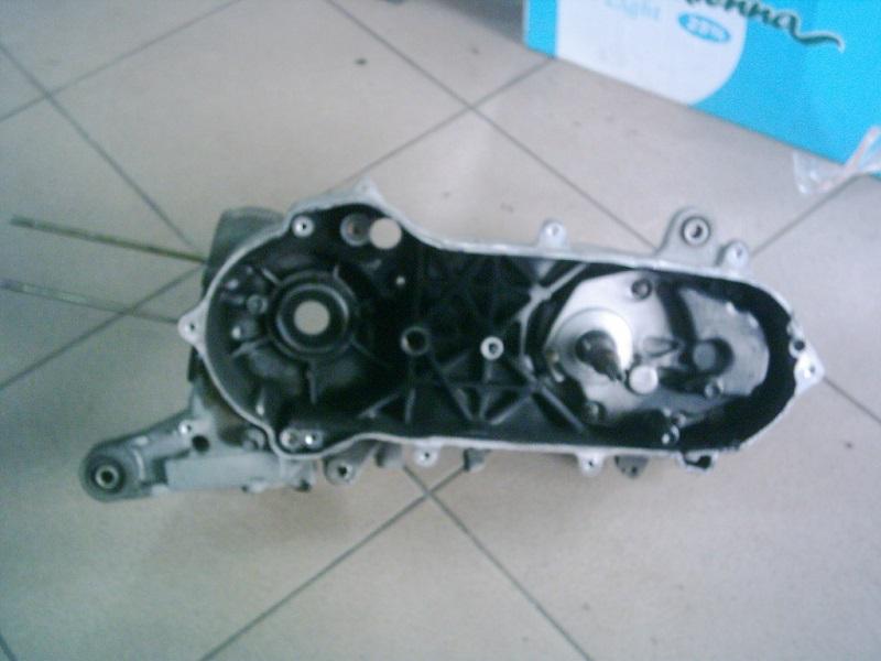 Suzuki Lets 4,Lets 5, Pallett , Address 4T  injektoros   CA41A  Bontott motorblokk fél, vario oldala.