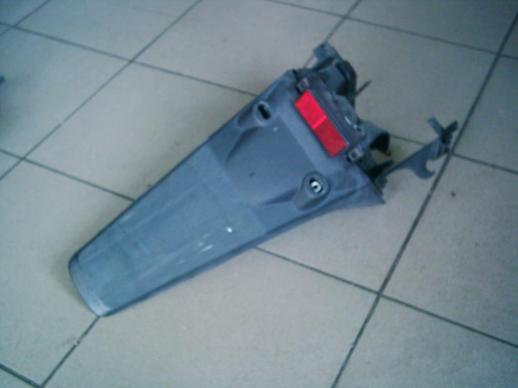 Honda Dio AF 56-57  4T vízhűtéses bontott hátsó farokidom.