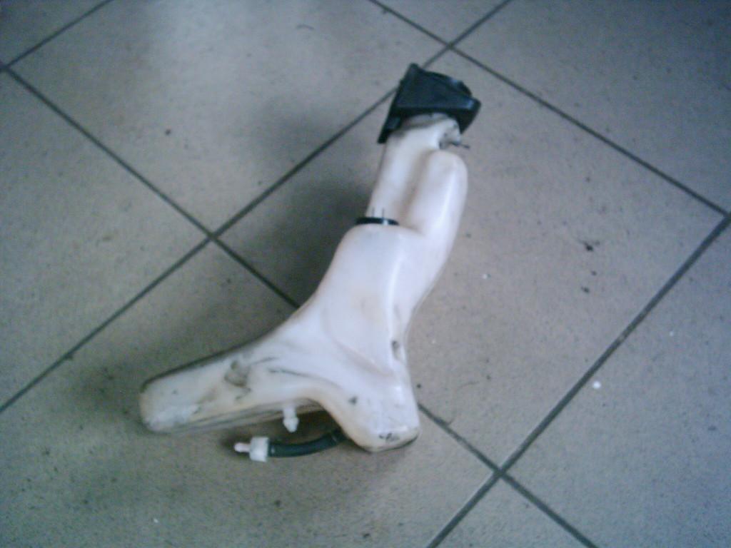 Yamaha Jog  Space Innovátion SA12J  bontott olajtartály.