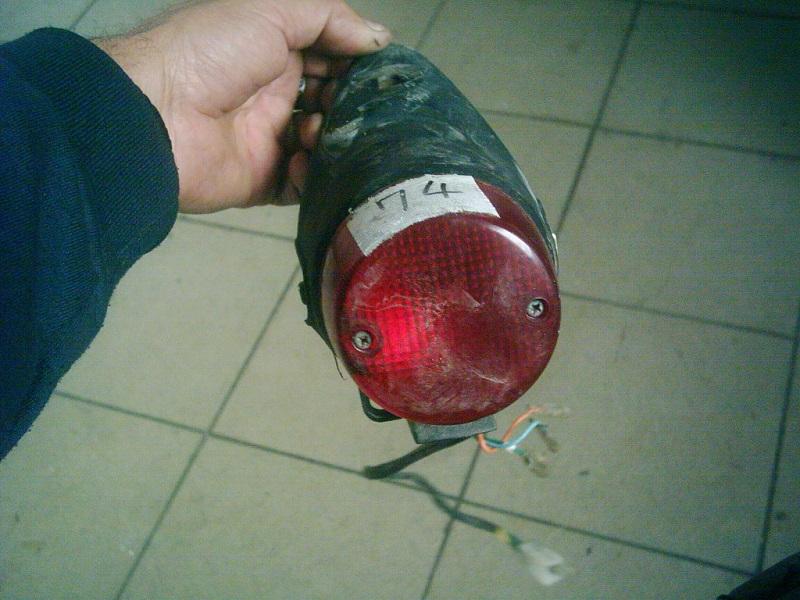 Honda Today bontott hátsó lámpa.